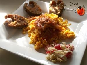 Dzwonki pstrąga z sosem orzechowym i ryżem curry
