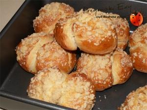 Śniadaniowo-maślane bułeczki z kruszonką